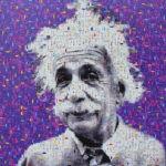 Portrait Albert Einsteins aus vielen kleinen Bildern